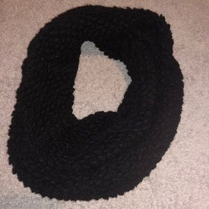 Accessories - Black Infinity Scarf